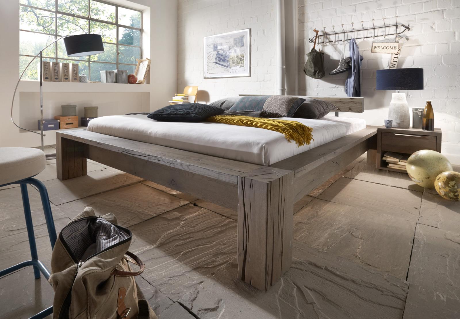 sam balkenbett carla eiche 200x200 cm balken farbauswahl bestellware. Black Bedroom Furniture Sets. Home Design Ideas