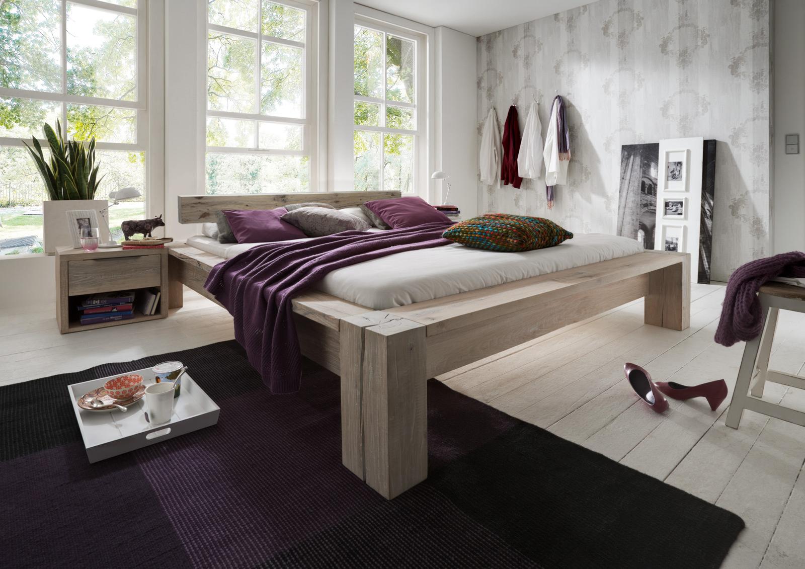 Sam balkenbett carla eiche 200x200 cm balken farbauswahl for Farbauswahl wohnung