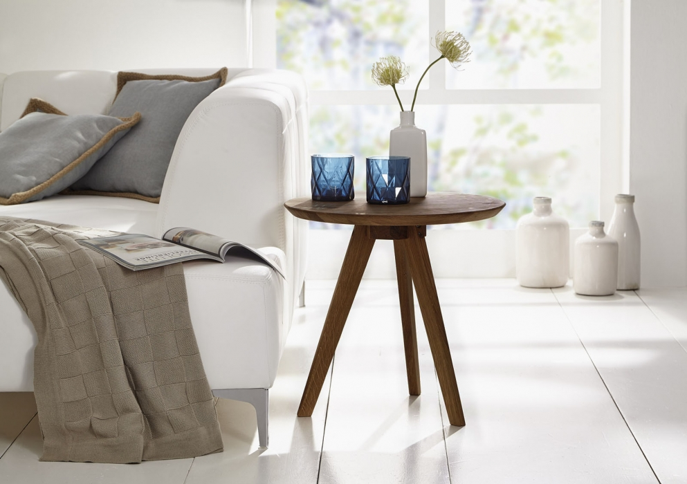 sam couchtisch beistelltisch 50 cm rund massivholz wildeiche olpe. Black Bedroom Furniture Sets. Home Design Ideas