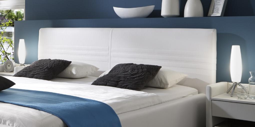 sale polsterbett 140x200 cm wei bettgestell notturno. Black Bedroom Furniture Sets. Home Design Ideas