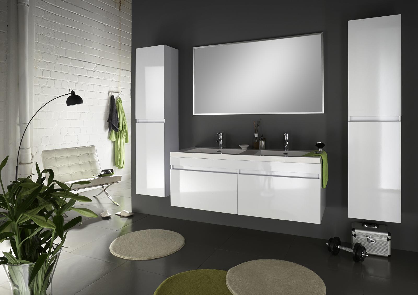 sam badm bel 4tlg set softclose wei parma 140 cm auf lager. Black Bedroom Furniture Sets. Home Design Ideas