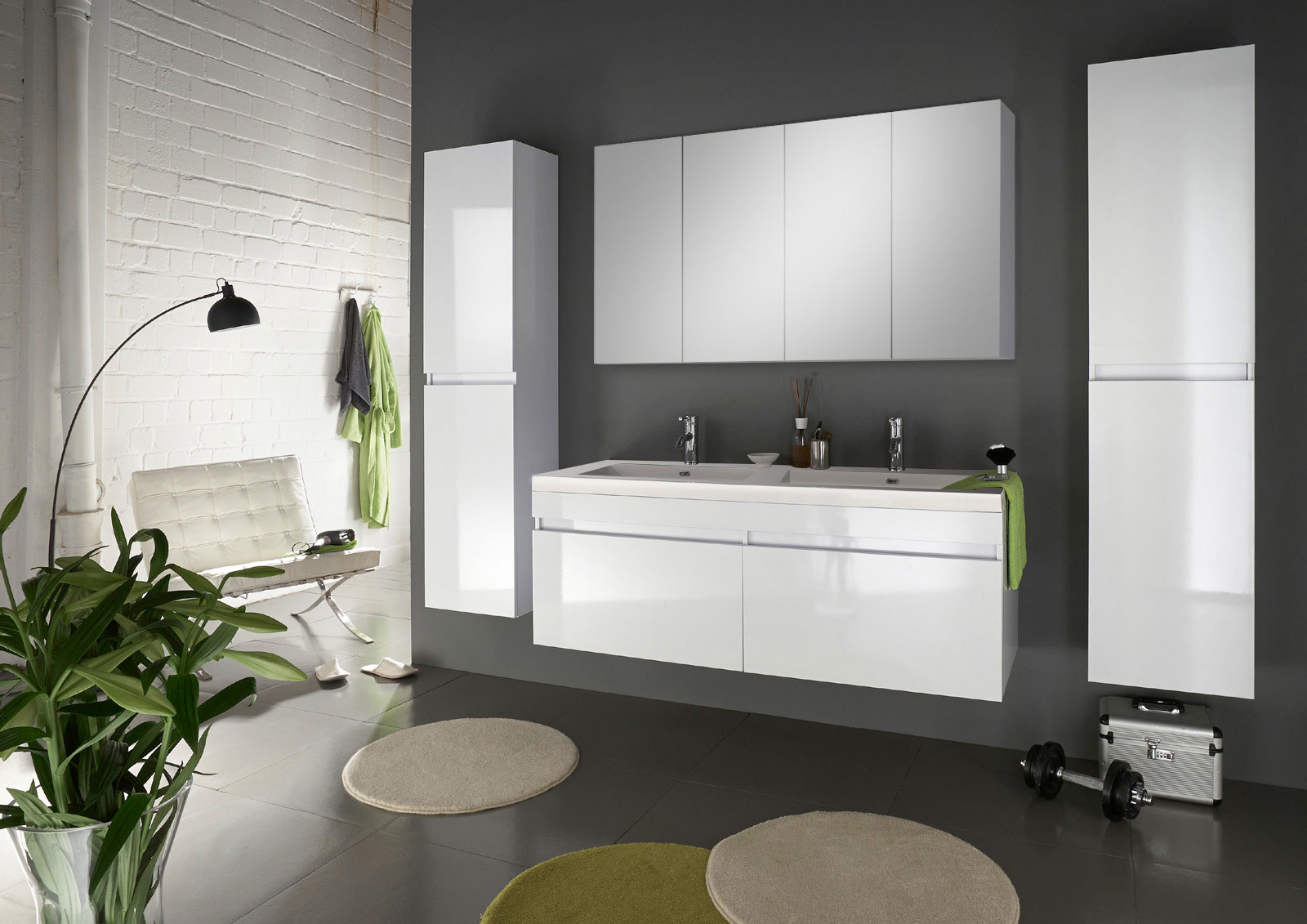 sam badm bel 4tlg set wei hochglanz 140 cm parma deluxe auf lager. Black Bedroom Furniture Sets. Home Design Ideas