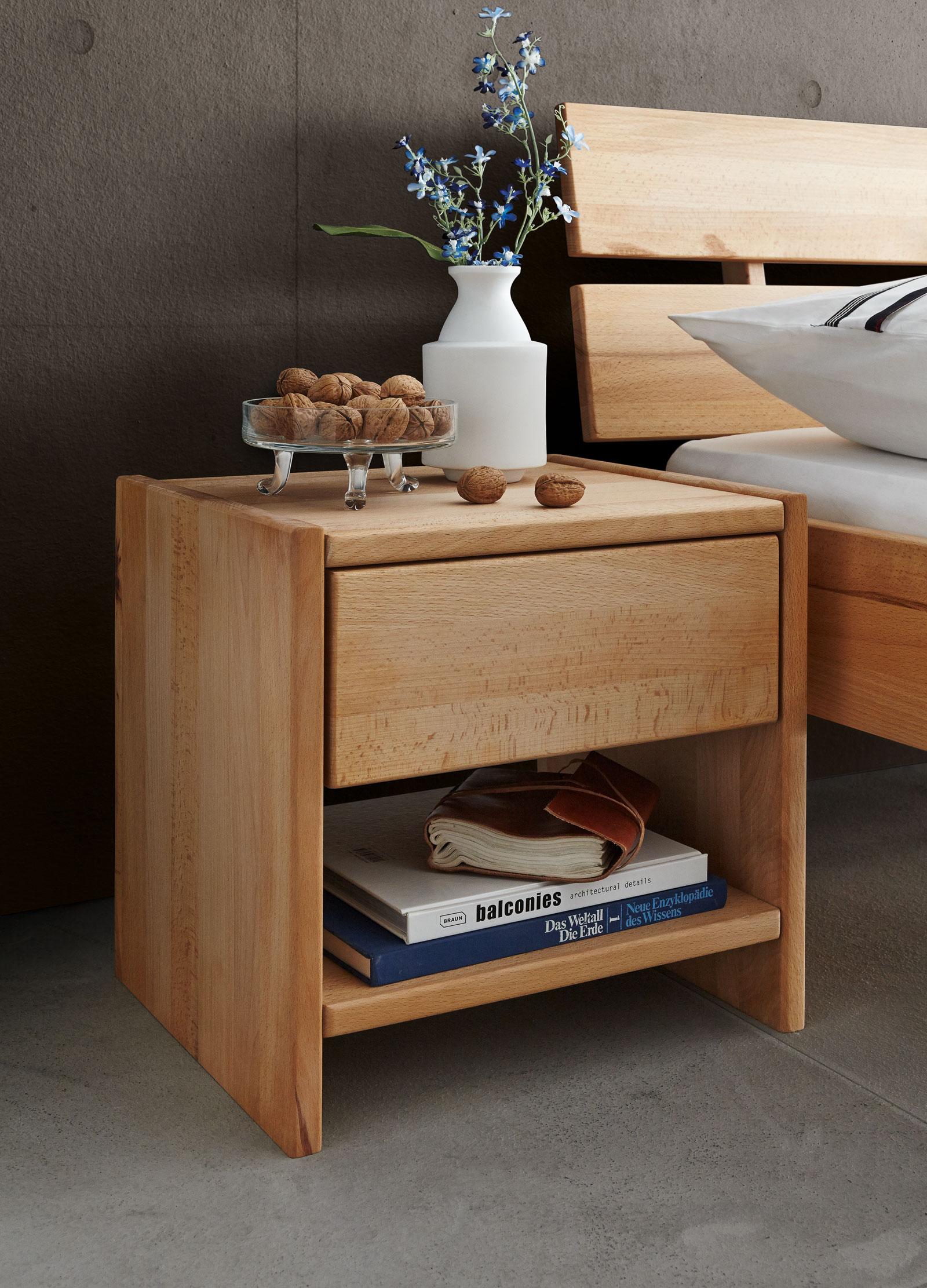 nachttisch buche interesting with nachttisch buche perfect zum produkt relita nachttisch buche. Black Bedroom Furniture Sets. Home Design Ideas