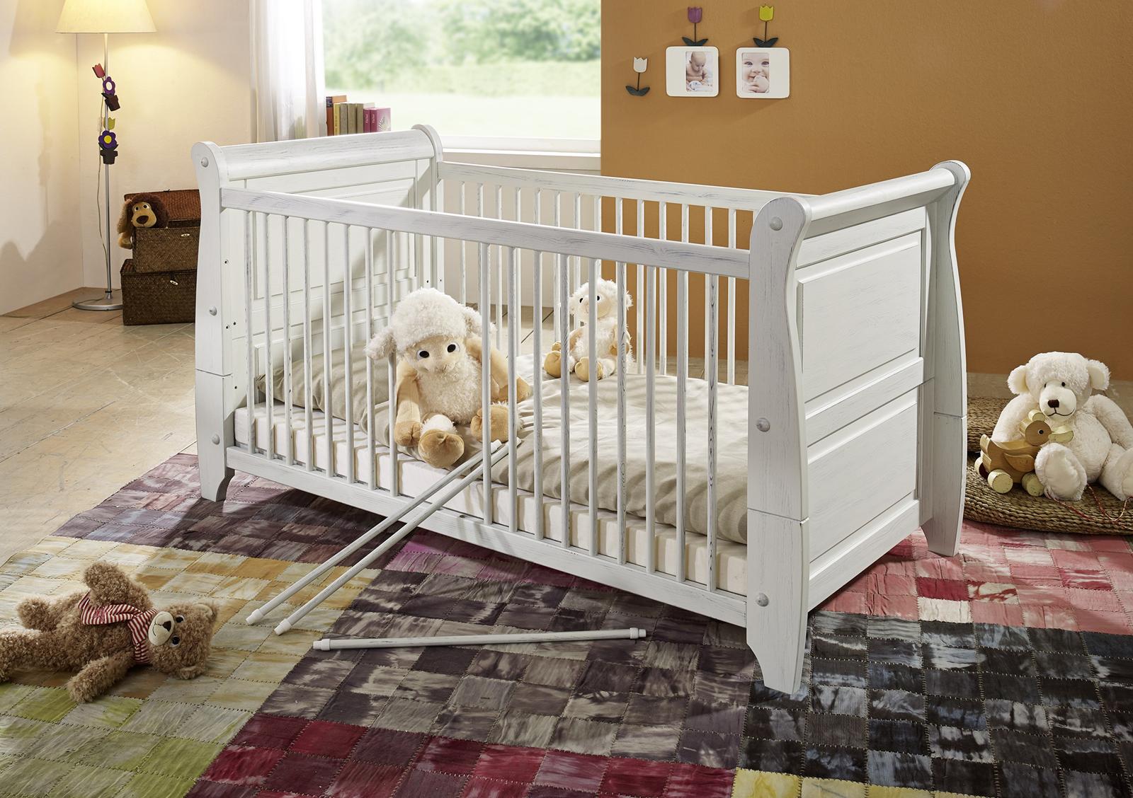 sam babybett in wei kiefer massiv 70 x 140 cm marie auf lager produktfoto. Black Bedroom Furniture Sets. Home Design Ideas