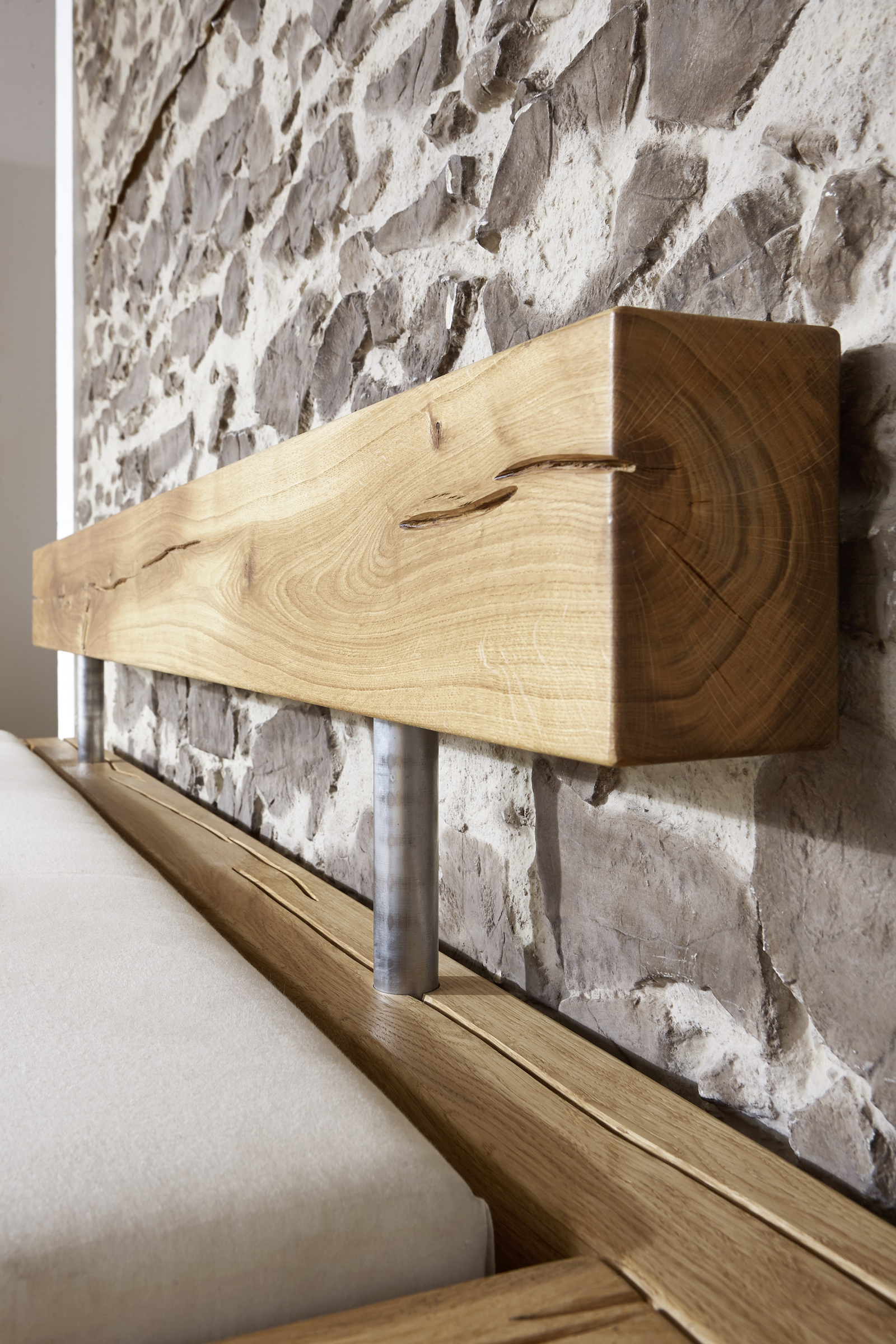 sam balkenbett 200x200 massivholzbett mit bettkasten wildeiche jakob demn chst. Black Bedroom Furniture Sets. Home Design Ideas