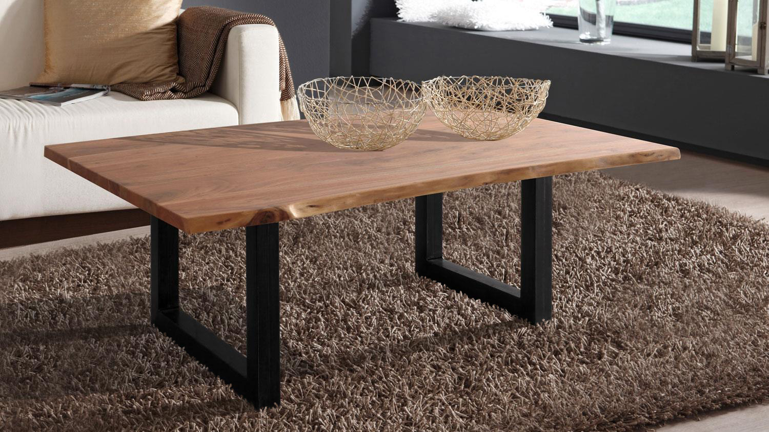 wolf m bel couchtisch baumkante 120 x 80 cm akazie natur live edge. Black Bedroom Furniture Sets. Home Design Ideas