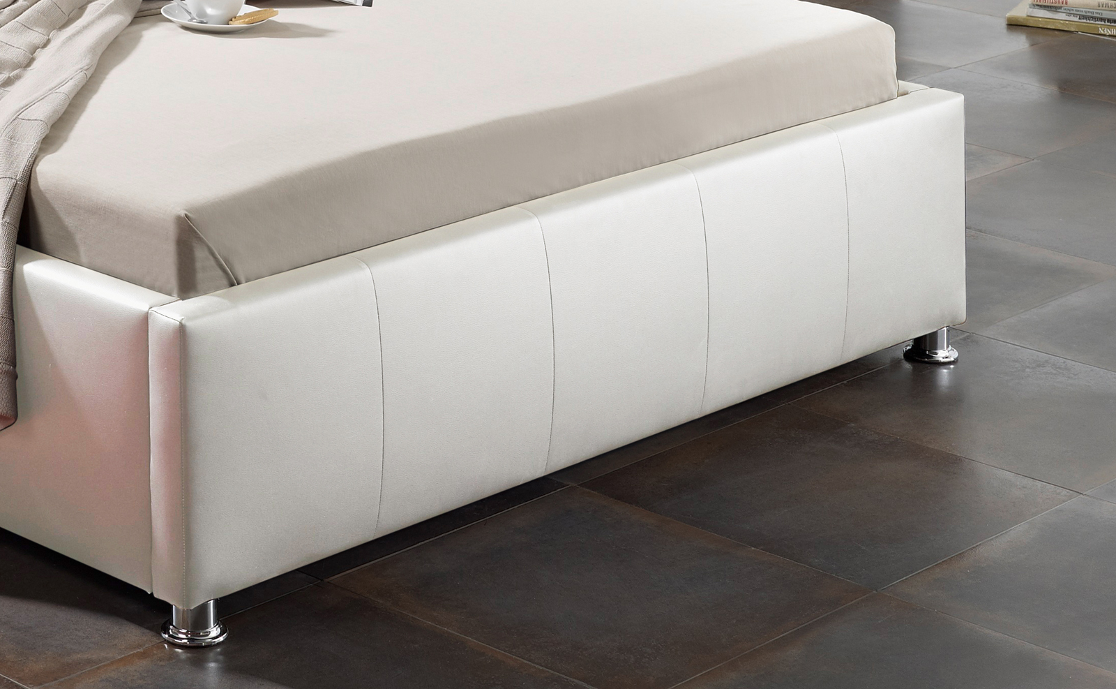 sam design bett 180 x 200 cm wei kira bettkasten. Black Bedroom Furniture Sets. Home Design Ideas
