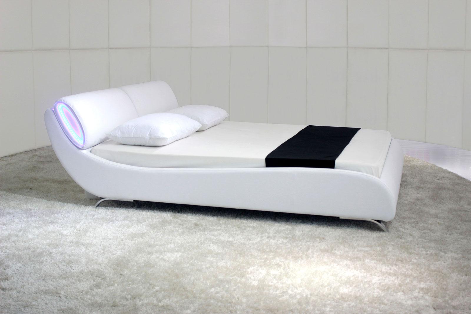 sam polsterbett 180 x 200 cm wei mit led lacrose. Black Bedroom Furniture Sets. Home Design Ideas