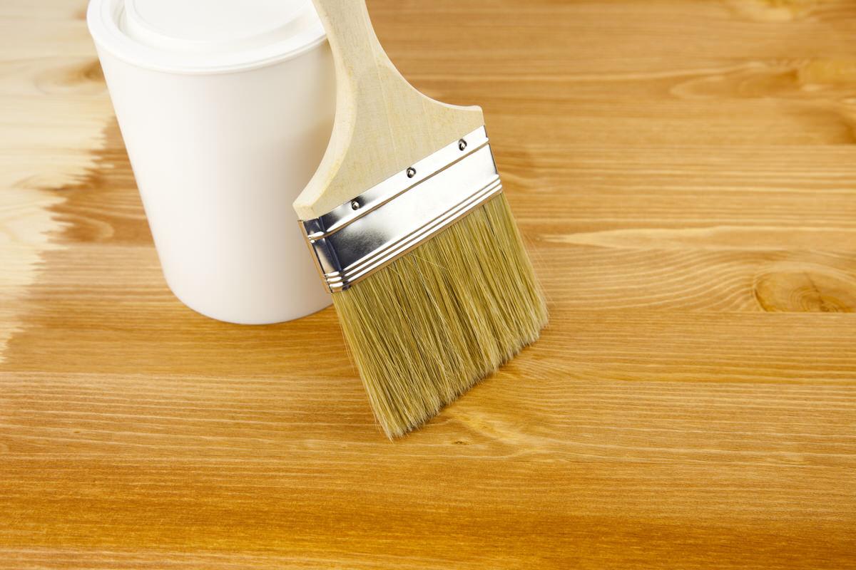 Holz Lackieren schritt für schritt gartenbank aus metall oder holz lackieren