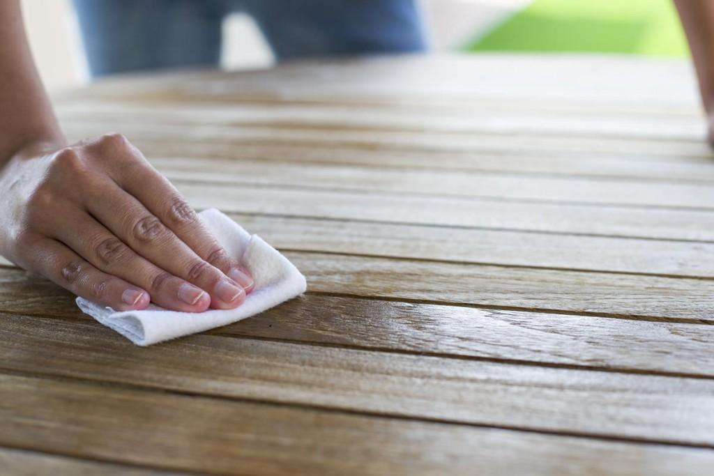 Teakholzmöbel küche  Pflegeanleitung für Gartentische aus Teakholz - Zuhause bei SAM®