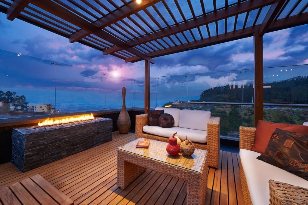 bildquelle santiago cornejo. Black Bedroom Furniture Sets. Home Design Ideas