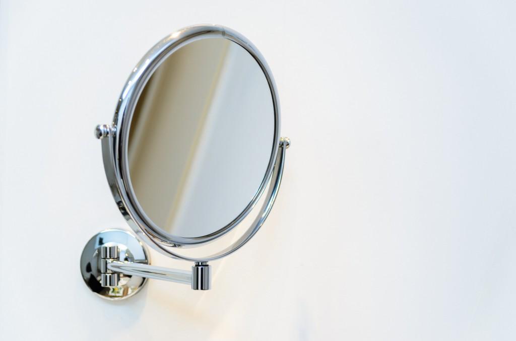 Die richtigen Badezimmerspiegel für die tägliche Beautyroutine