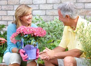 Gartenmöbel für ältere Menschen - Darauf sollten Sie achten