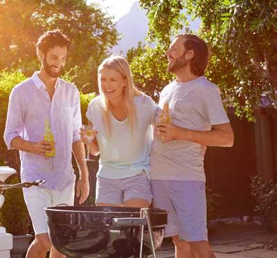 Grillen mit Freunden auf dem Balkon: Wie laut darf es werden?