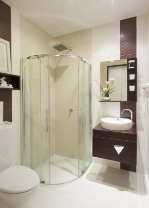 ebenerdige dusche mit wandablauf 2 ebenerdige dusche. Black Bedroom Furniture Sets. Home Design Ideas