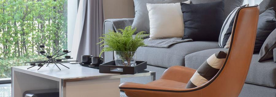 Echter Allrounder Aus Leder Lassen Sich Perfekt Mit Grauen Sofas Und With Welche  Farbe Passt Zu Grauem Sofa.