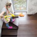 Verschiedene Holze richtig reinigen und pflegen