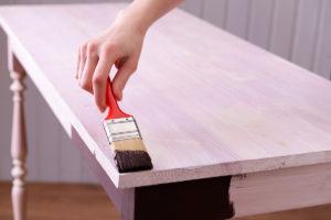 DIY Möbel selbst lackieren