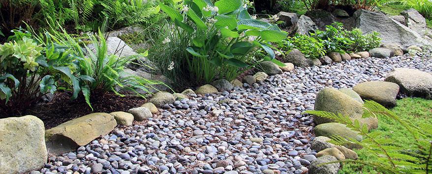 Schotter eignet sich sehr gut für befestigte Gartenwege