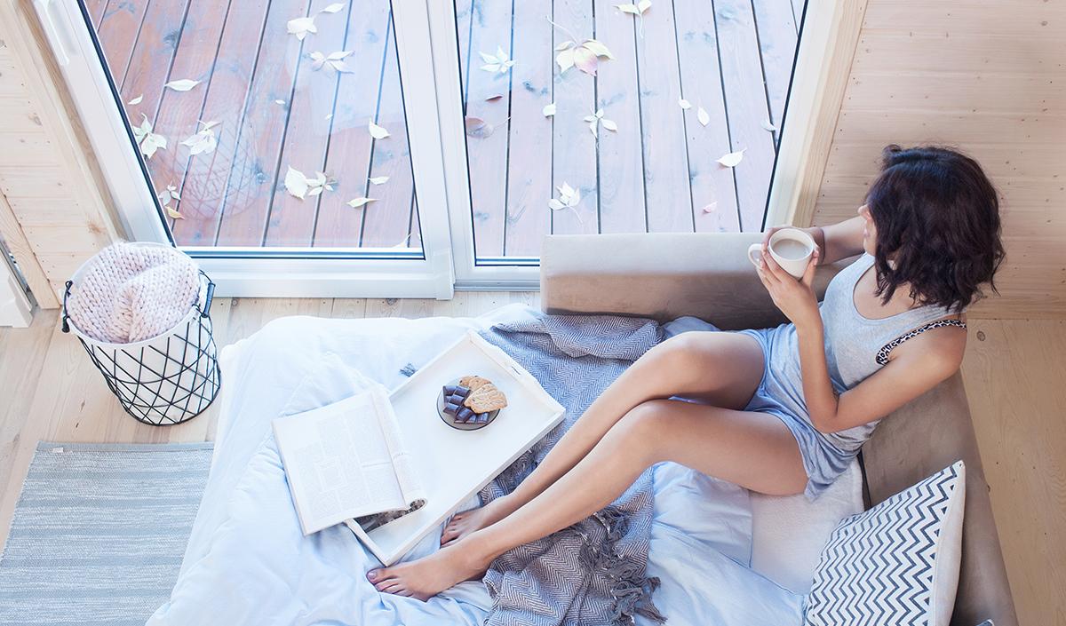 Ein Schlafsofa ist nicht nur praktisch, sondern auch sehr gemütlich.