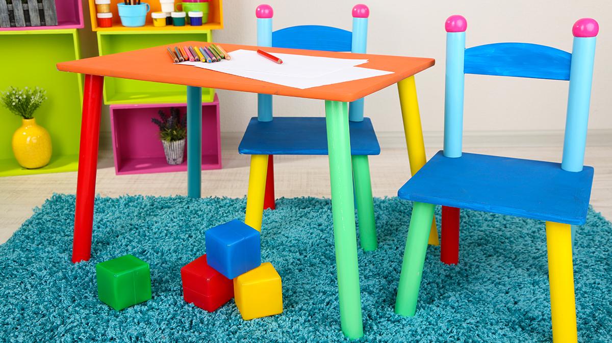 Kinder lieben Möbel in bunten Farben - jedoch meist nur einige Zeit lang.